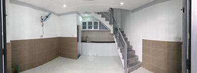 Nhà 2 Lầu mới, 2 phòng ngủ, 3wc, gần Sân bay