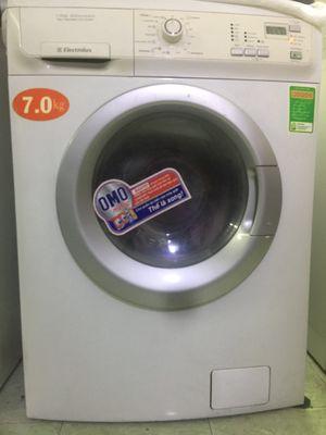Thanh lý máy giặt electrolux luôn sấy khô,mới 95%
