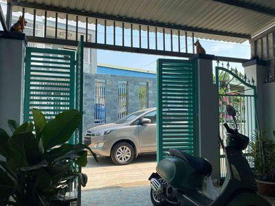 Cần bán nhà hẻm xe hơi đường Nguyễn Văn Lộng
