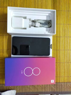 Cần ra đi em Xiaomi MI 8 Lite 6G-128G mua tại tgdd