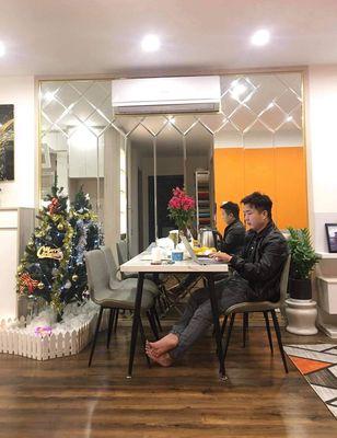 bán căn hộ 2 ngủ tại s203 tầng trung full đồ