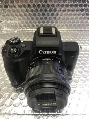 Canon M50 lens 15-45mm Full Box like new