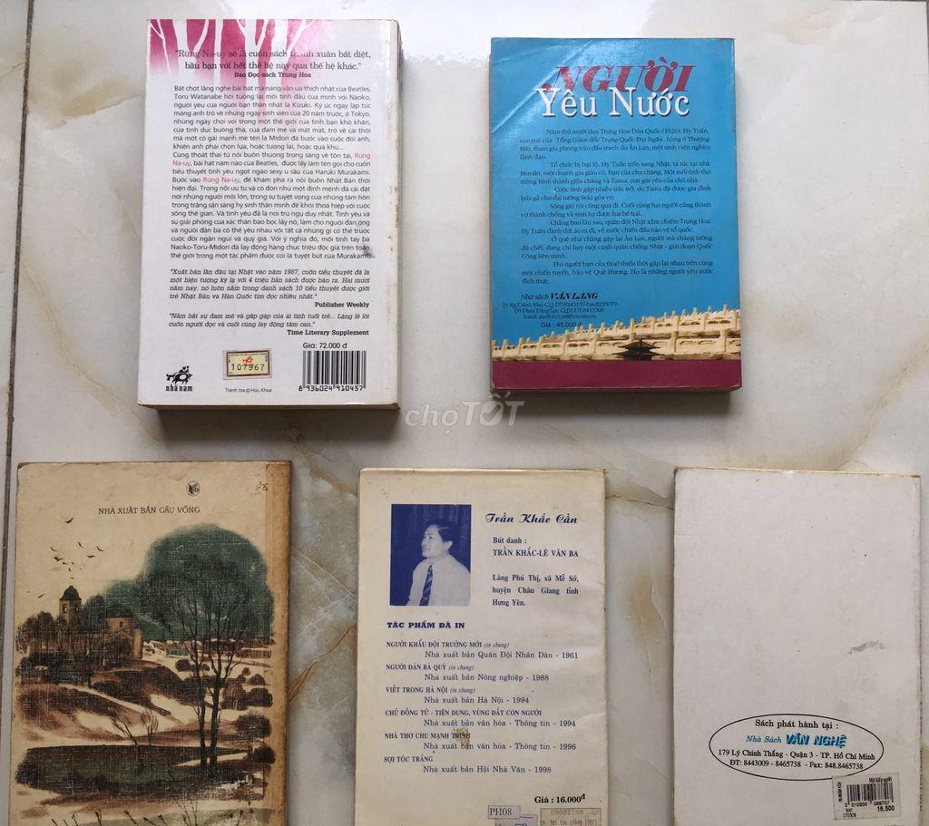 Bán bộ Chiến Tranh & Hòa Bình cùng 10 sách văn học