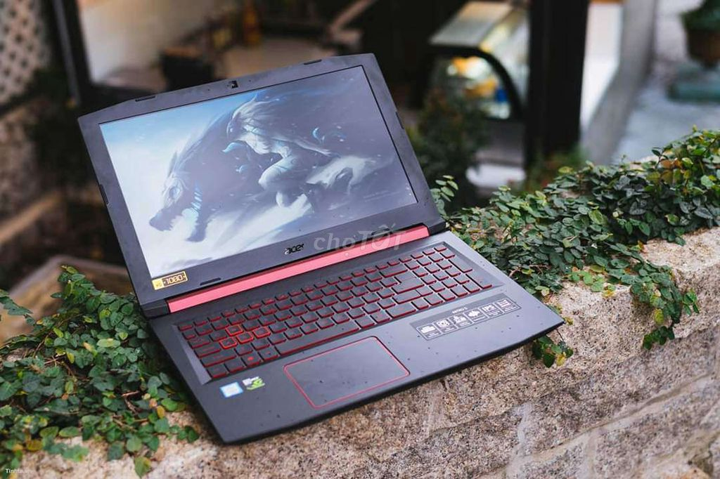 Acer Nitro AN515 i7 8765H VGA 4GB