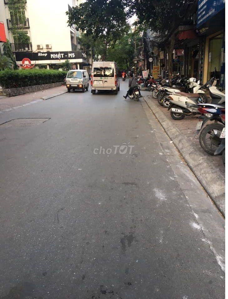 Bán nhà mặt ngõ 178 Thái Hà đường 9m ô tô tránh.