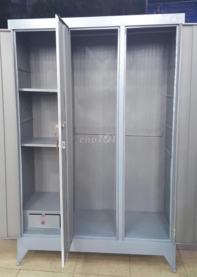 tủ sắt quần áo gia đình 123 người xài