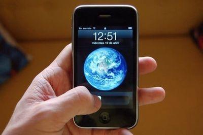 iphone 2G 8G Quốc Tế Zin đẹp Long Lanh