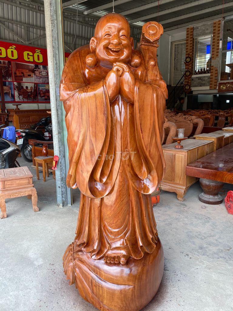 Tượng Phật di lạc cao
