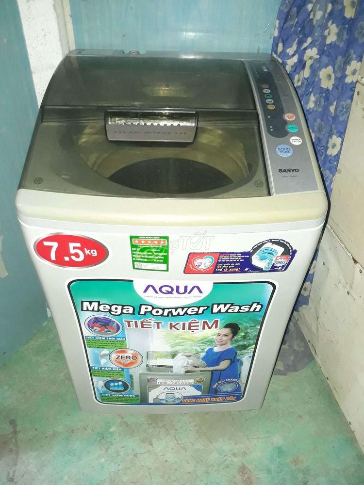 SANYO Máy giặt gđ dùng đời mới 8ky mới 98^%