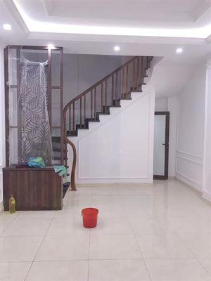 Bán Nhà Ngõ Quỳnh, 10m Ra Phố, 35m2x4Tầng, 3.9 Tỷ.
