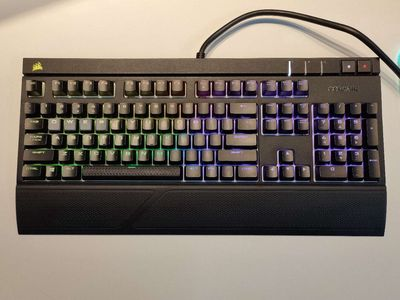 Bàn phím cơ Corsair Strafe RGB (MX Brown) Fullbox