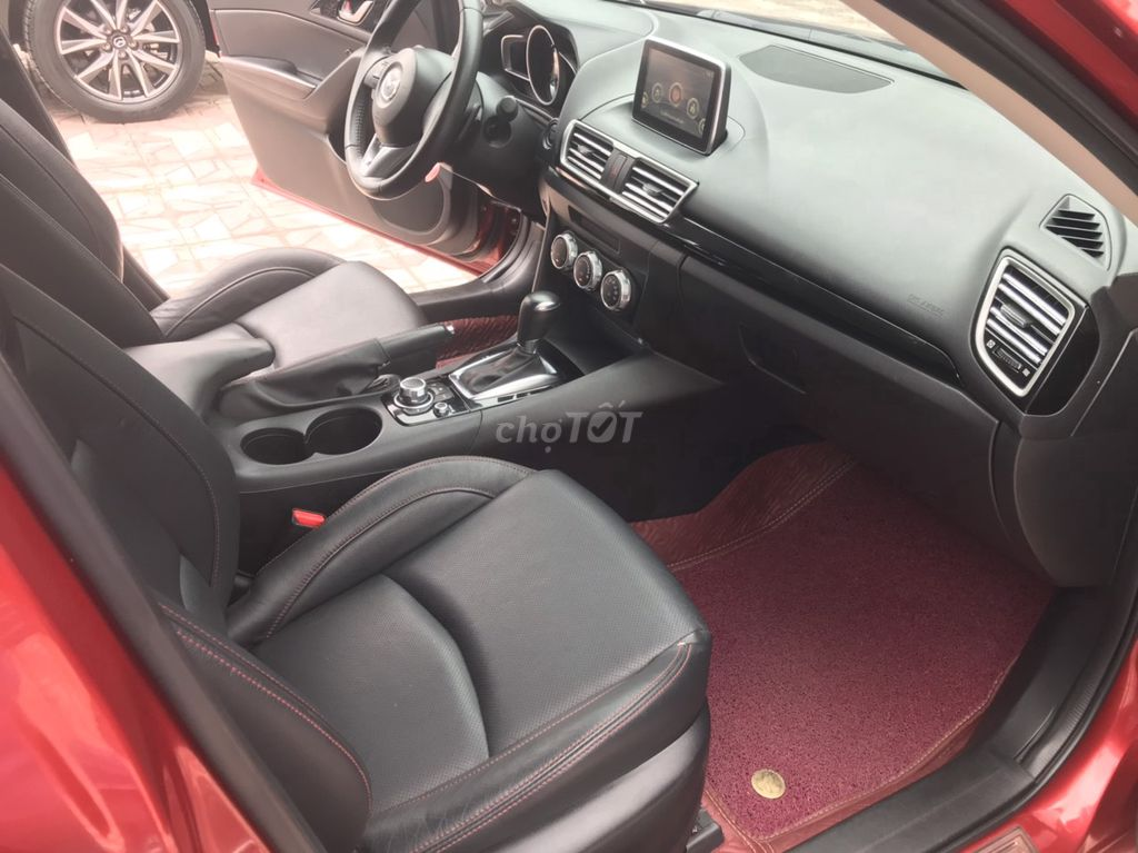 0902030406 - Bán Mazda 3 1.5AT màu đỏ 2017
