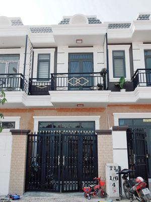 Nhà ở trong KCN Tân Đức, Có sổ, xây mới 1 lầu