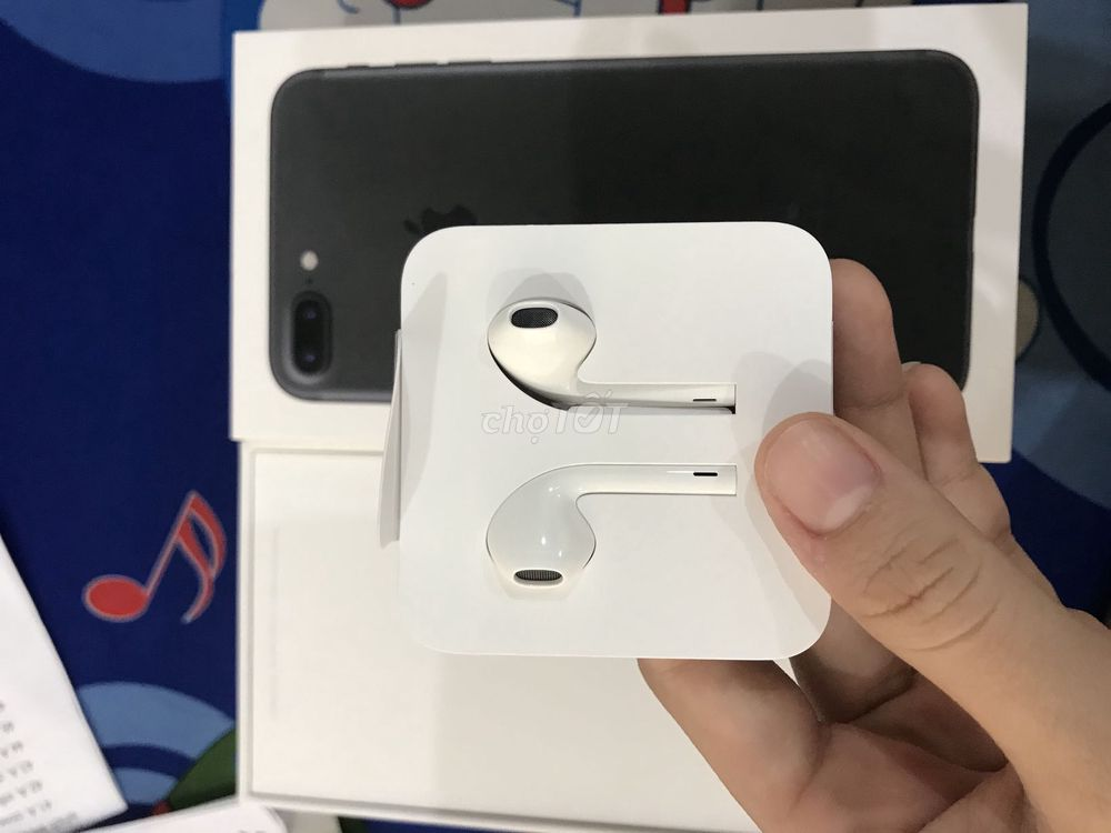 Cần bán tai nghe iphone 7 plus mới 100%