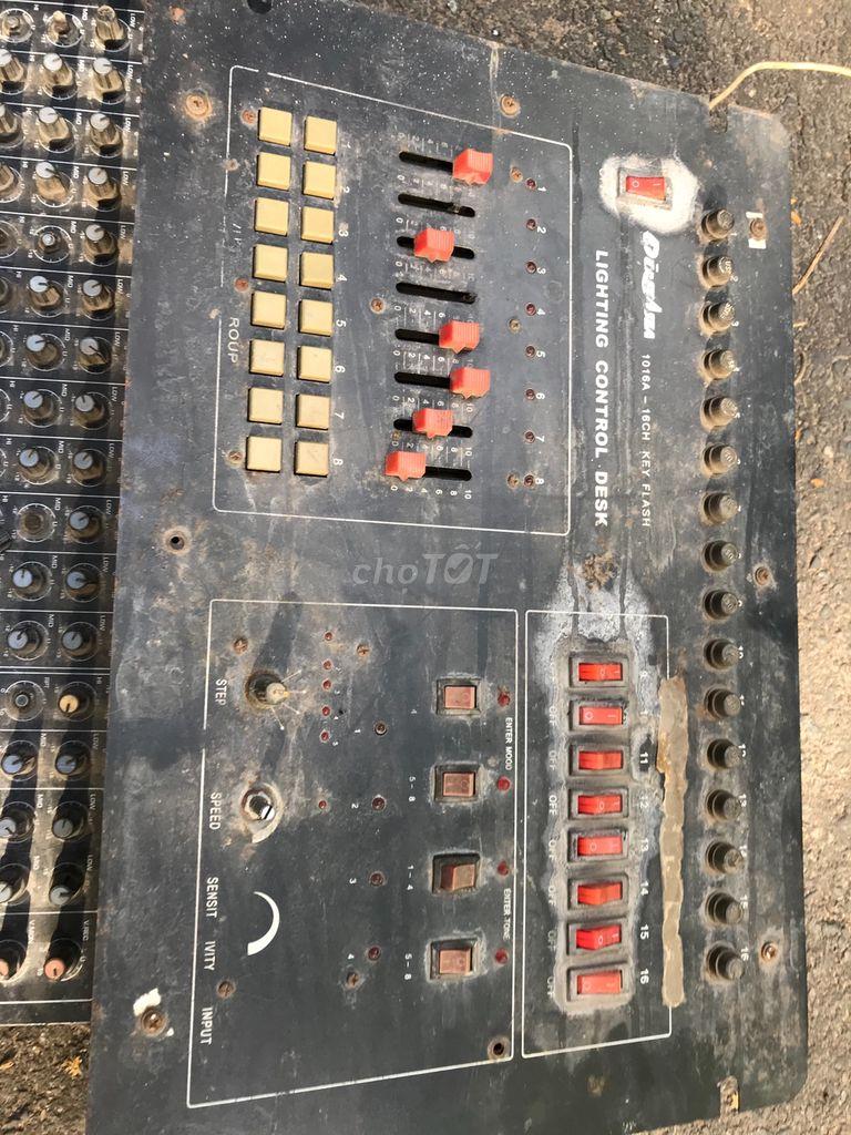 0902562952 - Thanh lý ve trai  MIXER bàn+cục máy gì đó như hinh