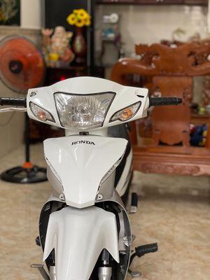 Honda wave a 2018 trắng đã đi 22.000km