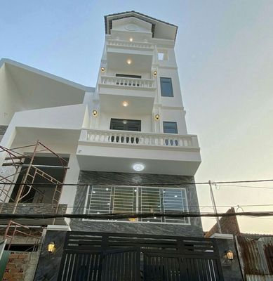 Nhà 1/ Mã lò dt. 4.5x15m. Lững +3 lầu, đường 6m