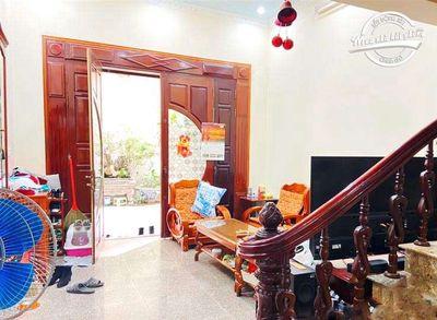 Nhà 3,5 tầng dân tự xây trong ngõ đường Trần Phú