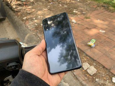 Galaxy A7 2018 4gb 64gb Zin đẹp