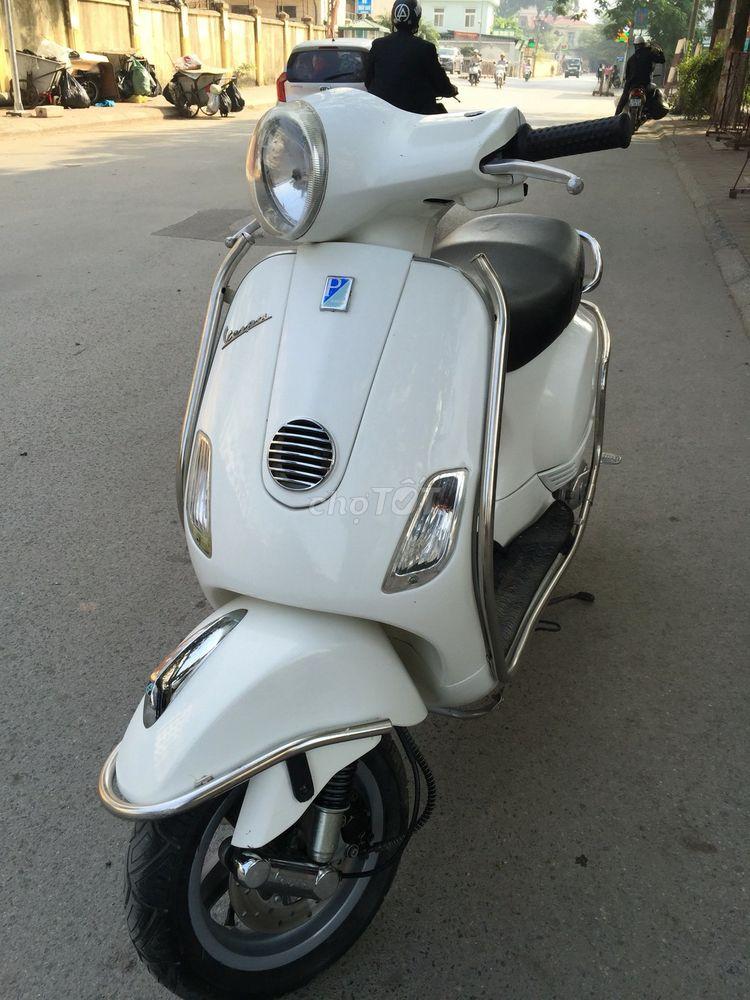 Vespa Lx 125ie nữ sử dụng