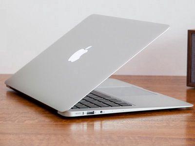 Apple Macbook Air 2017 còn bảo hành 8tháng fptshop