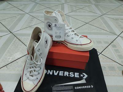 Giày converse cổ cao màu trắng