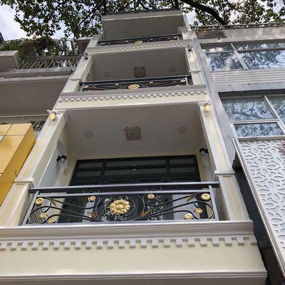 Nhà mới năm tầng mặt tiền đường 3 Tháng 2