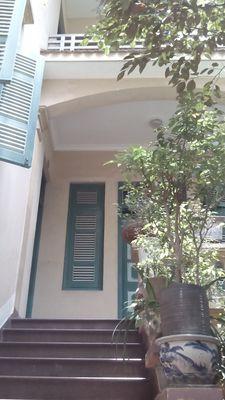 Bán nhà kiểu biệt thự Pháp cổ mặt đường Võng Thị