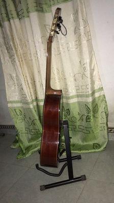 Guitar gỗ