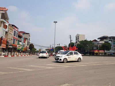 Nhà thị trấn Phùng
