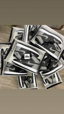 Giày jordan 1 xám
