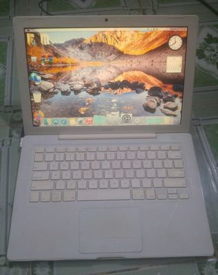 Macbook unibody mua 2009 t9500 ram 2g hdd 250g