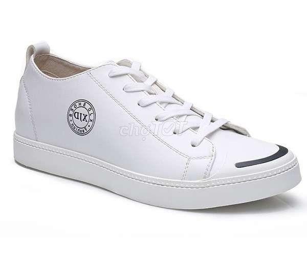 Giày cao trắng nam size 40-41còn mới cứng