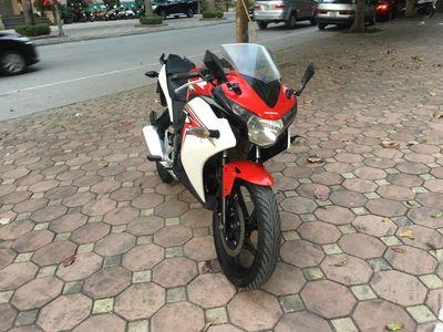 Honda CBR 150 trắng đỏ biển HN đăng ký 2017