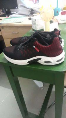 Bán giày thể thao nam size 42 hoặc 42.5