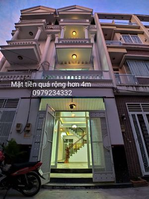 -Nhà 3 lầu 1333 Huỳnh Tấn Phát Q7 chỉ 5,8 tỷ