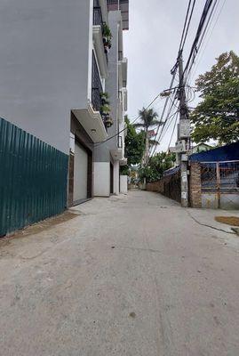 Bán đất tặng nhà C4 phố Ngọc Thuỵ 35m2 - 1,9 Tỷ