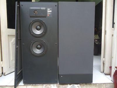 Loa JBL630 made in USA, 2 bass 18cm, Treble dome,