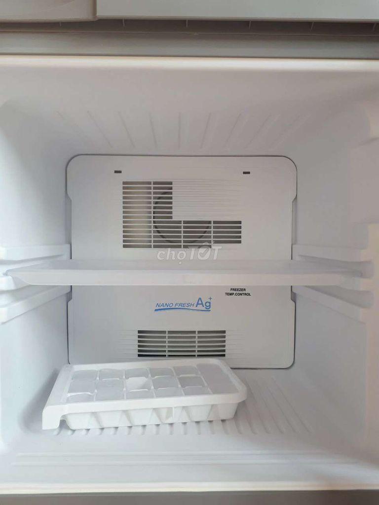 0382106915 - Tủ lạnh Aqua 123 lít đời mới tiết kiệm điện