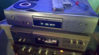 Đầu đĩa cd denon dcd-700ae,giải mã 24bit