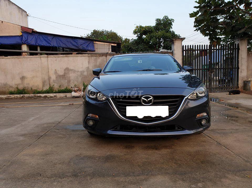 Cần bán xe Mazda 3 2016 số tự động màu xám bạc.