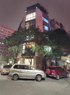 Hoàng quốc Việt ,3 ô tô tránh, lô góc 3 mặt thoáng