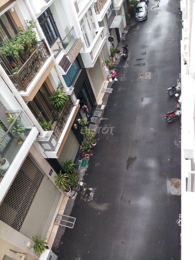 Bán nhà 2MT HXH đường Bàn Cờ, P.3. DTSD: 215m2