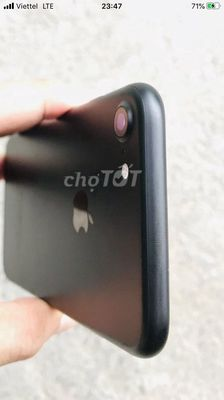 Apple iPhone 7 32 GB đen bóng - jet black 99%