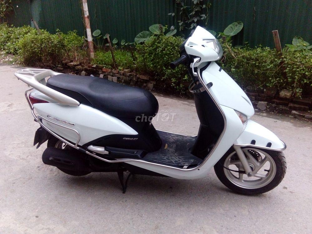 Honda Lead màu trắng chính chủ 2011