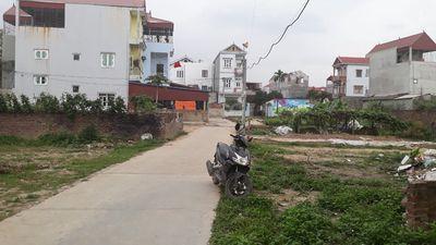 Cần bán lô đất hiếm ở xuân bách-72.3m2 đường ô tô