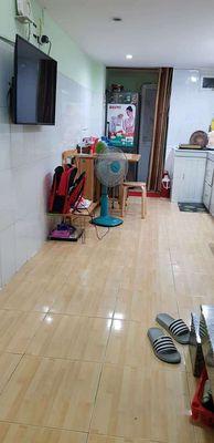 Nhà ngay chợ Hoàng Hoa Thám, Tân Bình, 3 tầng, mới