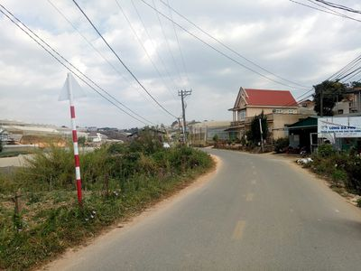 Cần bán lô đất mặt tiền, đẹp đường Đa Phú - Đà Lạt
