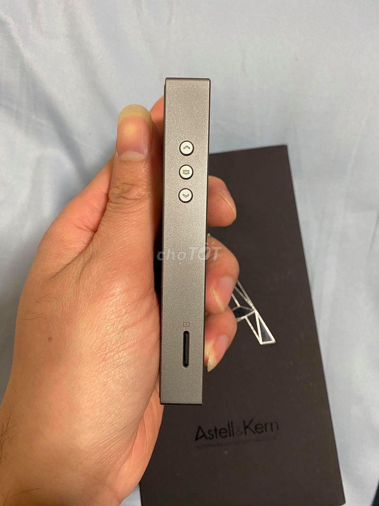0909790523 - Máy nghe nhạc Astell & Kern AK100II