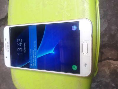 Bán Samsung j7 jrim 32g màu vàng